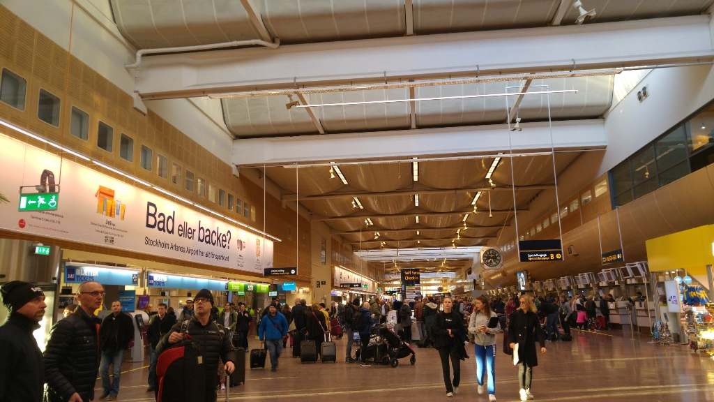 how to get from arlanda airport to downtown stockholm